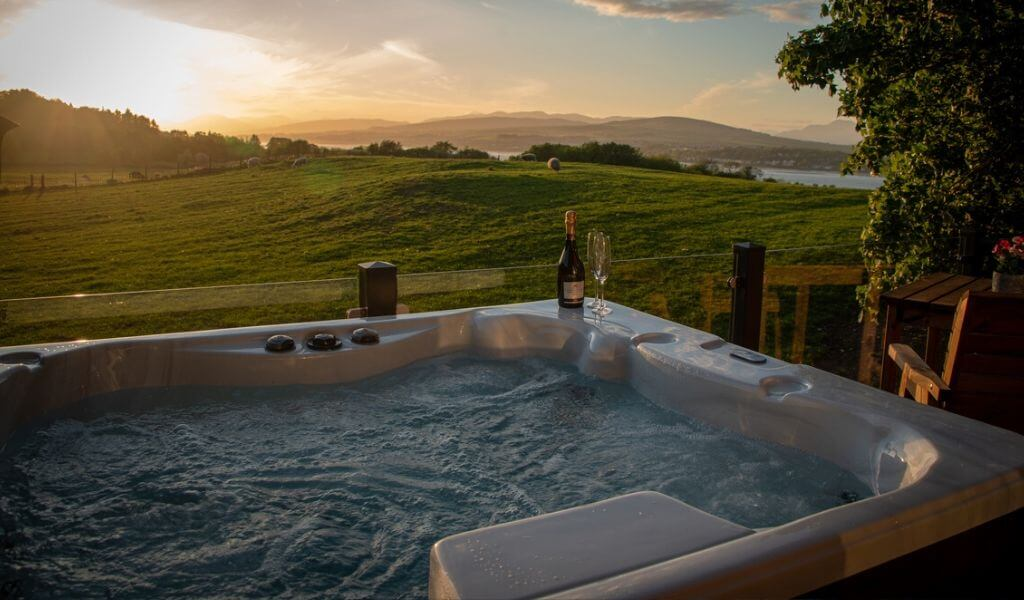 Clydeview Lodge & Hot Tub, Langbank