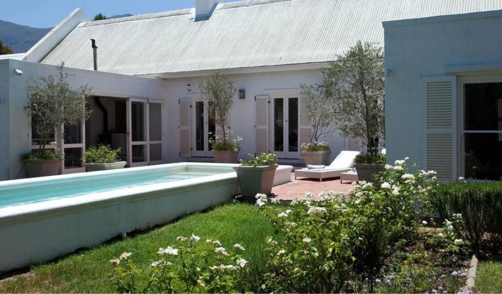 La Maison Blanche – a stylish 2-bed house in Franschhoek , South Africa